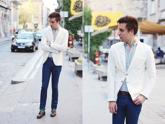 David M - Use Unused White Blazer, Zara Leather Mocassins - 20130904