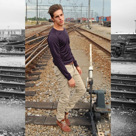 Matthias Geerts - Zara Dark Blue Pull, H&M Camel Trouser, River Island Vintage Shoes - Camels on my pants!