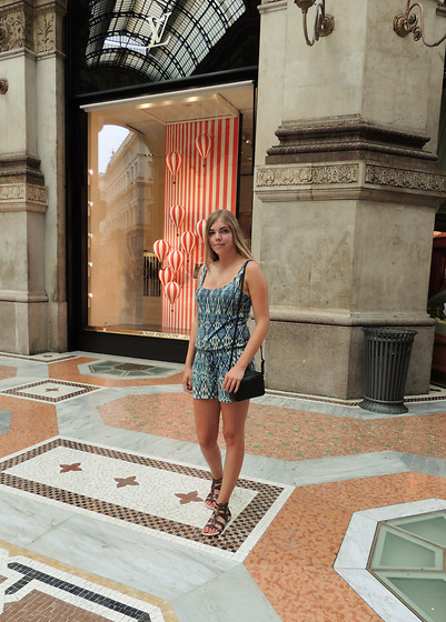 Josca . - Pull & Bear Playsuit   And, Sandals   Uggs, H&M Bag   - A day in Milano
