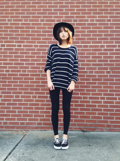 Rima Vaidila - Brandy Melville Usa Striped Sweater, Forever 21 Black Leggings, Forever 21 Hat, Vans Classic Sneakers - Striped out