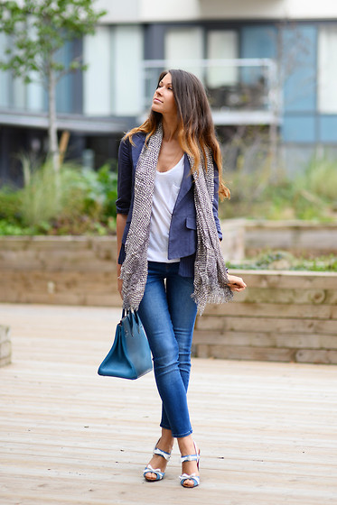 Julia Lundin - Ida Jeans, Christian Louboutin Shoes, Hermës Bag - Blue Jeans