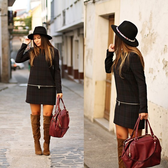 Mondaytofriday Blog - Zara Dress, Zara Hat, Zara Boots, Zara Bag - The dress