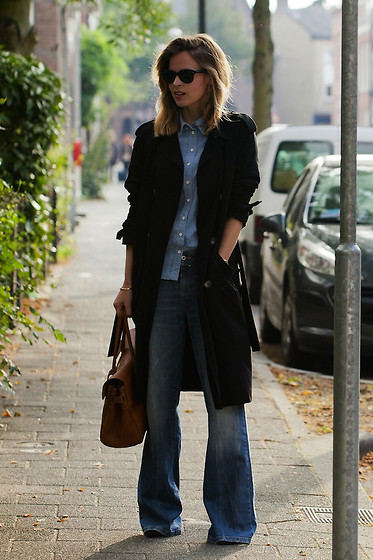 Christine R. - Topshop Trenchcoat, Mulberry Bayswater Bag - A weekend look
