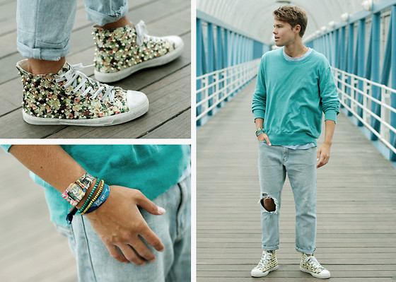 Andreas Wijk - Acne Studios Sweater, Acne Studios T Shirt, Second Hand Jeans, Gienchi Shoes - Acne studios.