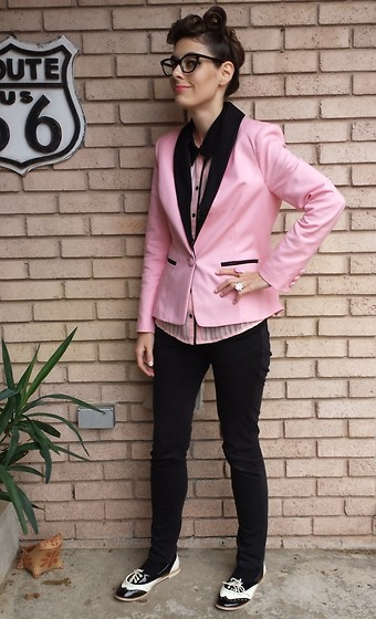 Alicia Michelle - Forever 21 Piped Tank, Forever 21 Pink Blazer, Charlotte Russe Wing Tip Ballet Flats - Doo Wop
