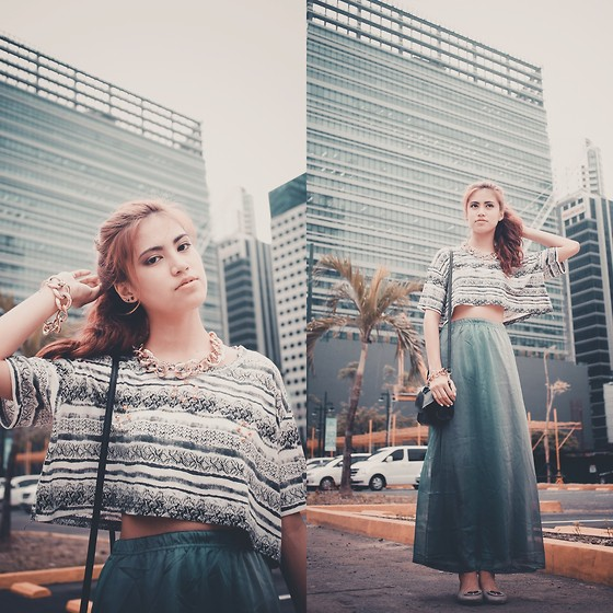 Jennica Sanchez - Awesome Finds Cropped Top, Trunk Walk Ph Maxi Skirt, Classic Apparel Chain Accesories, Forever 21 Bag - Out of the ordinary