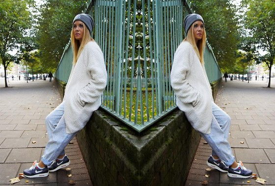 Isabella Thordsen - Asos Hat, Nike Shoes, Monki Jacket - Fluffy jacket and nike sneakers