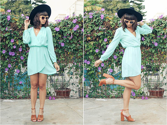 Chanelle L.™ - Electric Frenchie Mint Dress, Kelsi Dagger Heels, House Of Harlow 1960 Cat Eye Sunglasses - Mint Green