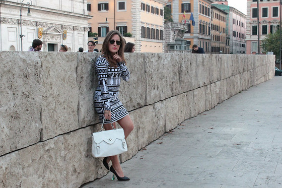 Effe Coco - Lazy Duf Dress, Miista Shoes - Impressionism in B&w