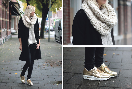 Sietske L - Nike Air Max Liquid Gold, Costes Scarf - Liquid gold