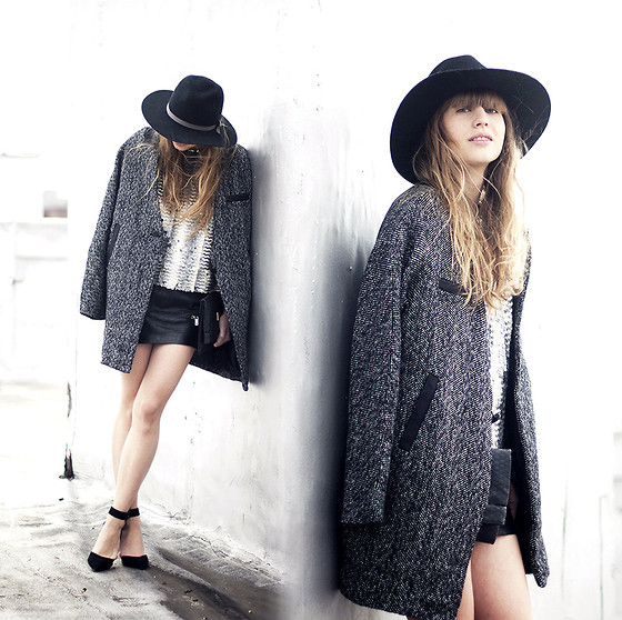 Lisa Dengler - Missguided Boyfriend Coat, Missguided Sequin Top, Otte Alexis Hat - HOLIDAY DRESSING