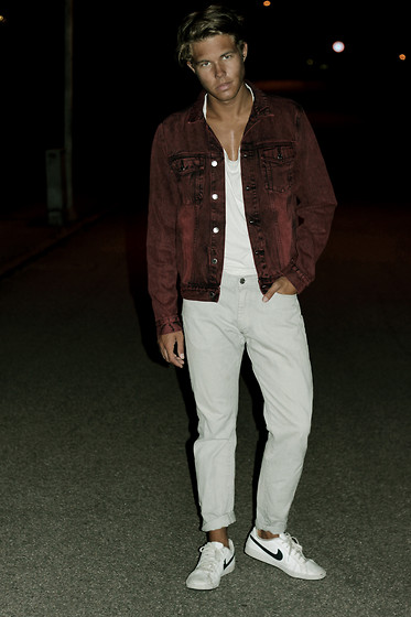 Andreas Wijk -  - RED