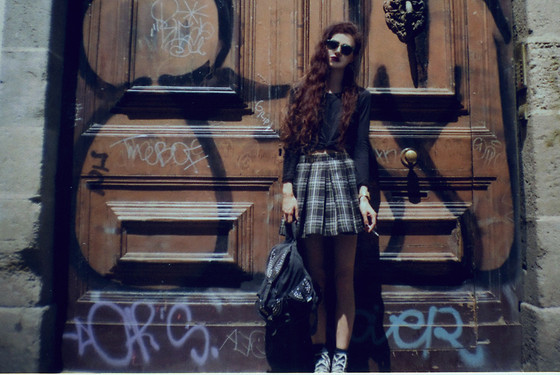 Violet Ell - Thrift Store Shirt, Skirt, Topshop Denim Backpack, Sunglasses, Converse Sneakers - --.07.2013