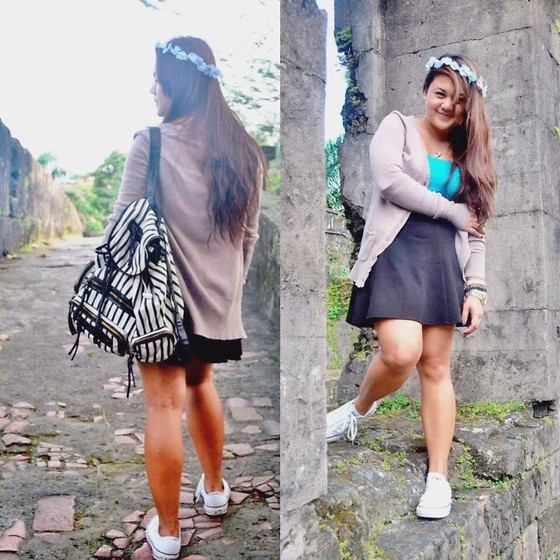 Michi Eleni Camaña - Flower Crown, Forever 21 Skater Skirt, Cotton On Blue Tank Top, Converse Chucks - The Ruins