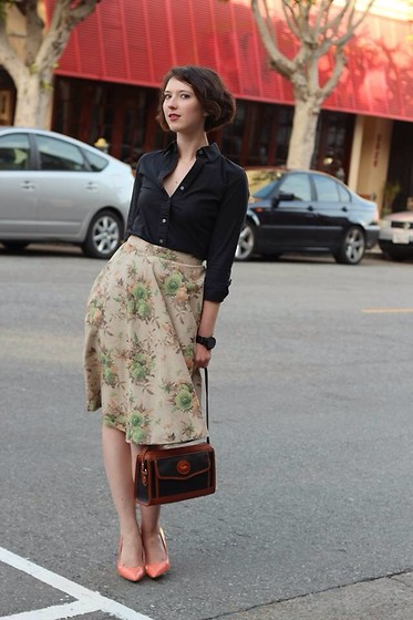 Audrey Elizabeth - Pink Martini Skirt, Banana Republic Collared Shirt, Dooney & Bourke Purse, Charles Jourdan Pumps - Hey kiddo