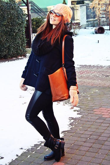 Olivia Dembowska - Reserved Hat, Sh Coat, New Yorker Leggins, No Name Boots, Zara Bag - Winter in poland /#@