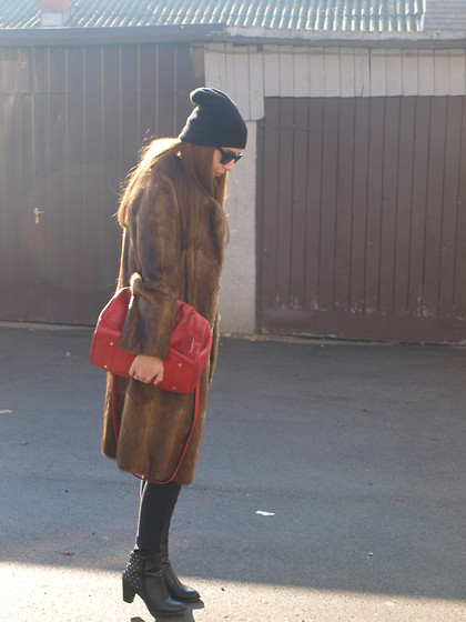 Dolores Gubo Brkovic - New Yorker Ankle Boots, Aldo Bag - Winter look/Fashion section by Lory
