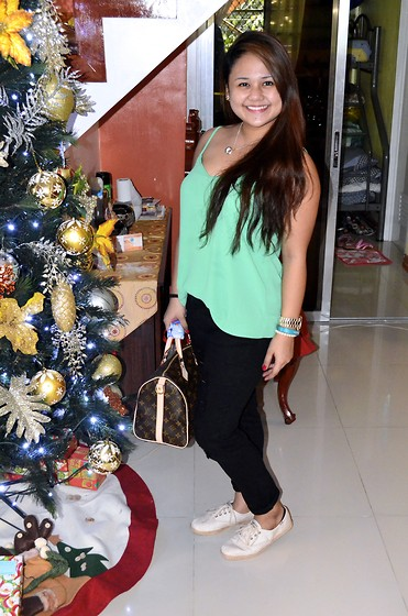 Michi Eleni Camaña - Topshop Top, Forever 21 Black Denim, Keds Sneaks, Louis Vuitton Mom's Lv - Merry Christmas! <3