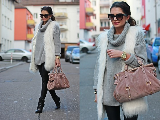 Anni *** -  - Casual shopping outfit