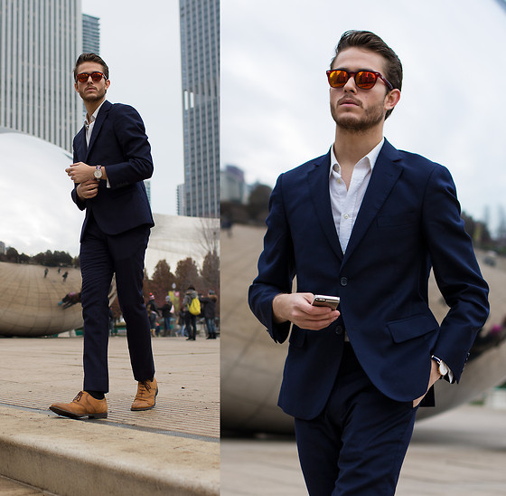 Adam Gallagher - Spektre Sunglasses, Daniel Wellington Watch, Similar Here  > Shoes, Similar Here  > Sunglasses 2 - Reflective in Chicago