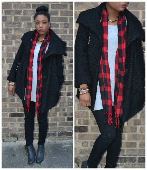 Laura C - River Island Coat, Office Boots - Cozy & Tartan // StylishVue