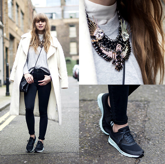 Lisa Dengler - Asos High Waisted Skinny Jeans, Nike Air Max Thea, Otte Cashmere Sweater, Coach Mini Borough Bag - SHOREDITCH