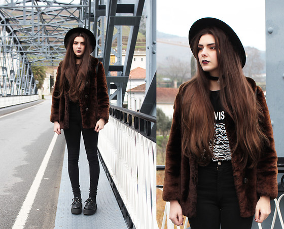 CLAUDIA Holynights - Vintage Fur Coat, Joy Division T Shirt, Stylegound Creepers - We would have a fine time living in the night