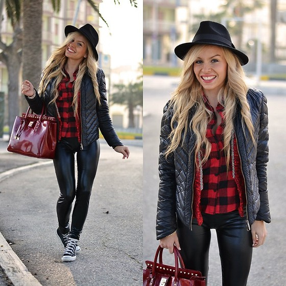 Eleonora Petrella - Vessts Plaid Shirt, Converse All Star - Black&Red