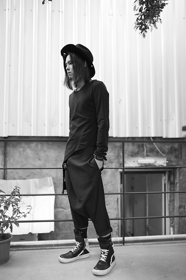 Hipsterken P - Aleksandr Manamis Burn Edge Hat, Rick Owens Asymmetric T Shirts, Button Harem Pant, Rick Owens High Top Sneaker, Studded Leather - Locked Out Of Heaven