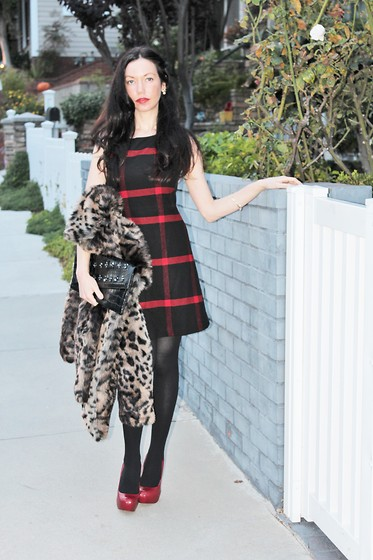 Lisa Valerie Morgan - Bcbg Clutch, Alice And Olivia Dress, Denim & Supply Faux Fur, Camilla Skovgaard Shoes - Tartan and Tights