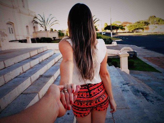 Priscila Figueredo - Romwe Shorts, Azbelle Rings - I wish you'd hold me when I turn my back;