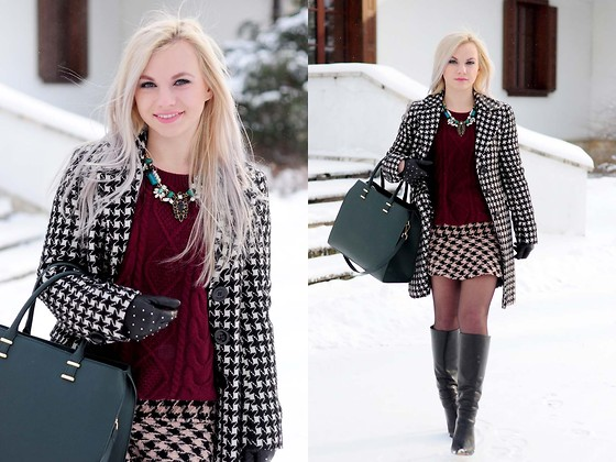 Anna Krukowska - Sweater, Necklace, Skirt - Winter