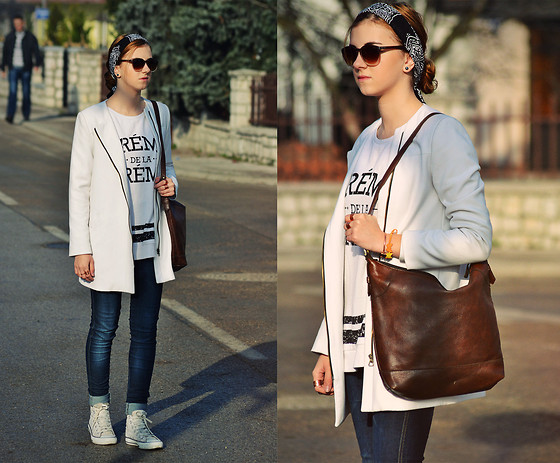 Majra Sabic - Zara Coat, Atmosphere Sweatshirt, H&M Pants, New Yorker Sunglasses, Converse Shoes, New Yorker Accessoires - Crème de la crème