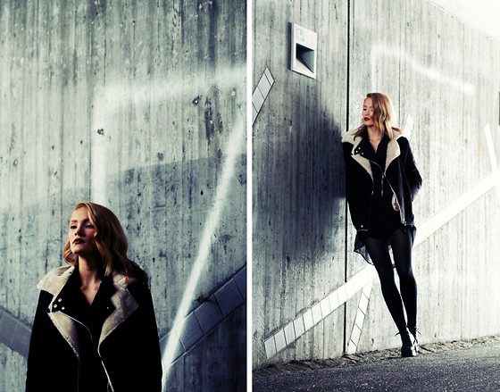 Petra Karlsson - Jacket, Dress, Shoes - Tunnel