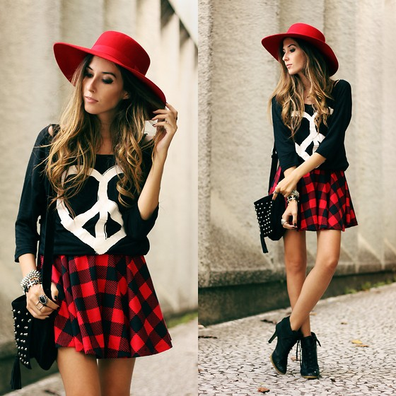 Flávia Desgranges van der Linden - Love Luxo Plaid Skirt, Love Luxo T Shirt - Love & Peace