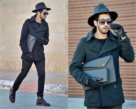 HAMID KHOUYI - Choies Fadora, Police Larg, Zara Coat, Mujjo Macbook Air 13, Mujjo Balck Leather, Dr. Martens Black - February rain