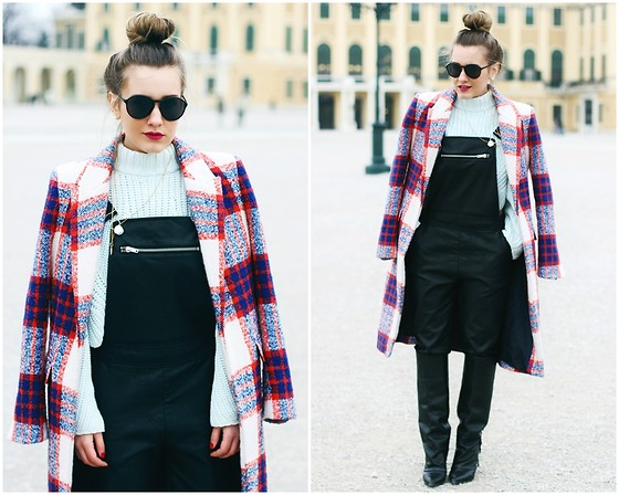Hristina Micevska -  - Looking hot in overalls!