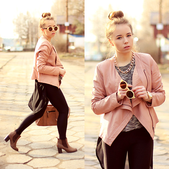 Wioletta Mary Kate - Soft Grey Jacket, Walg Shirt, Shoes - Powder Waterfall Jacket 01.03