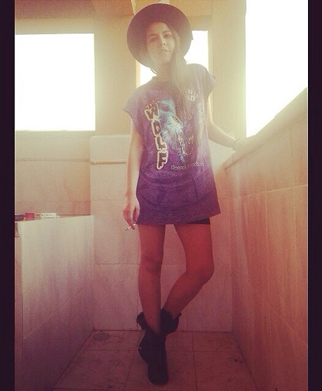 Stephy C. - Made In Chola Hat - Hello beautiful world!