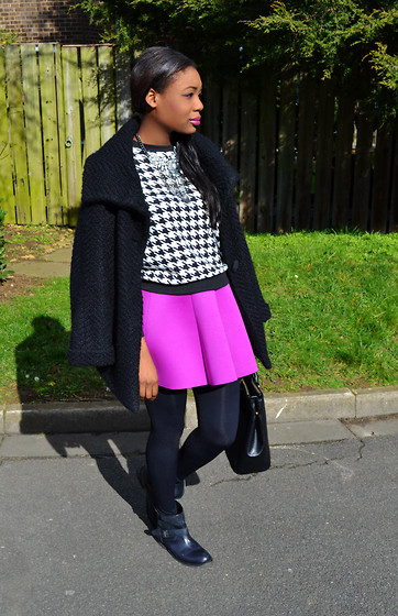 Laura C - Choies Skirt - Houndstooth // StylishVue