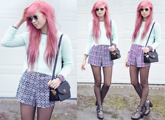 Amy Valentine - Asos Clear Metal Top Sunglasses, Ark Mint Mohair Jumper, Motel Rocks Monochrome Geometric Molly Playsuit, Marc B Minnie Bag, Ark Holographic Oil Slick Boots - GEOMETRIC SYMMETRY