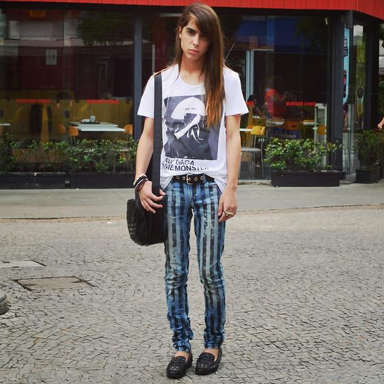 Inmuebles Litoral semáforo  Adam Mitch - Zara Lady Gaga Shirt, Adidas Black Leather Bag, Sfera (Spanish  Brand) Stripped Pants, Zara Black Loafers - Common White Girl | LOOKBOOK