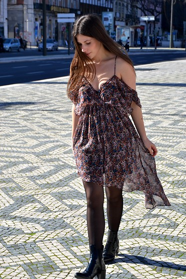Filipa Gameiro - Zara Dress, Zara Boots - Bohemian.
