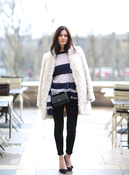 Hedvig ... - J. Crew J.Crew Jeans, Acne Studios Knit, Stella Mccartney Coat, Chanel Bag, Isabel Marant Shoes - When in Paris