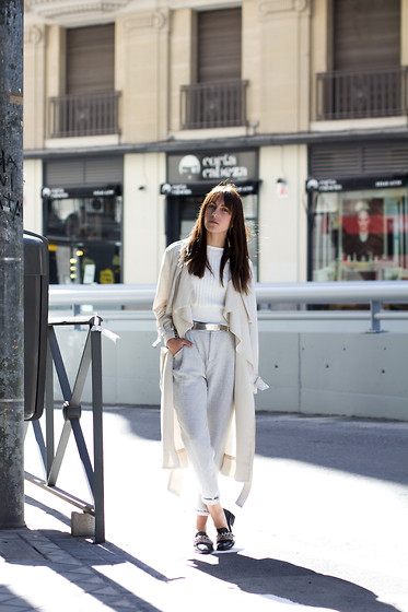 Lucita Y - Zara Chino Pants - CREAM OUTFIT
