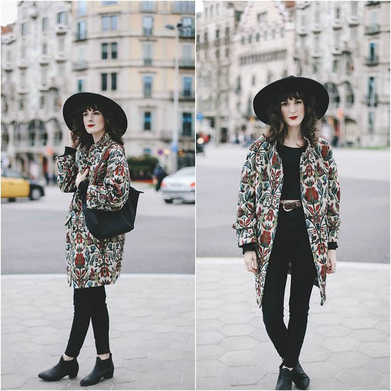 Kiana Mc - Free People Hat, Zara Coat - Barcelona