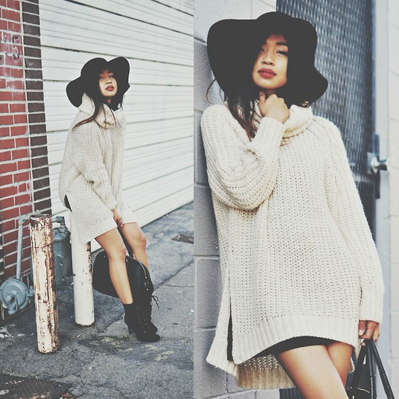 Heliely Bermudez - H&M Over Sized Knit - Knits & Floppy Hats