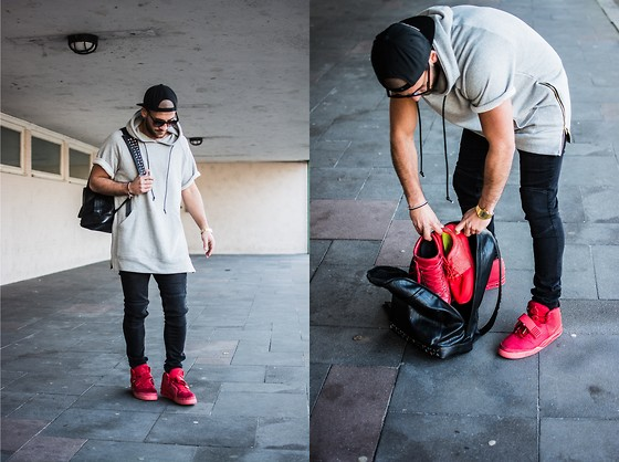 Kosta Williams - A.P.C. Apc Kanye West, Mort Paris, Nike Roshe Run Safari Pack, Balenciaga Arena, Nike Yeezy 2, Zara Biker Jeans, Zara Leather Bag - RED MAGIC