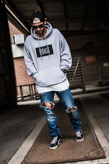 Kosta Williams - Obey Snapback, Pigalle Paris Hoodie, H&M Destroyed Jeans ( Custom ), Vans Sk8 Hi - Destroyed