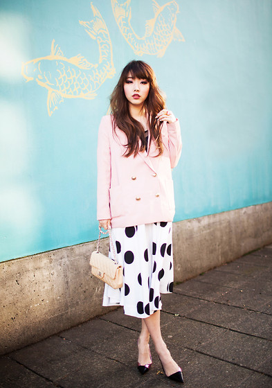 Ivy Xu - Stylenanda Blazer, Vintage Skirt, Christian Dior Heels, Chanel Bag - Vancouver Fashion Week - Day1